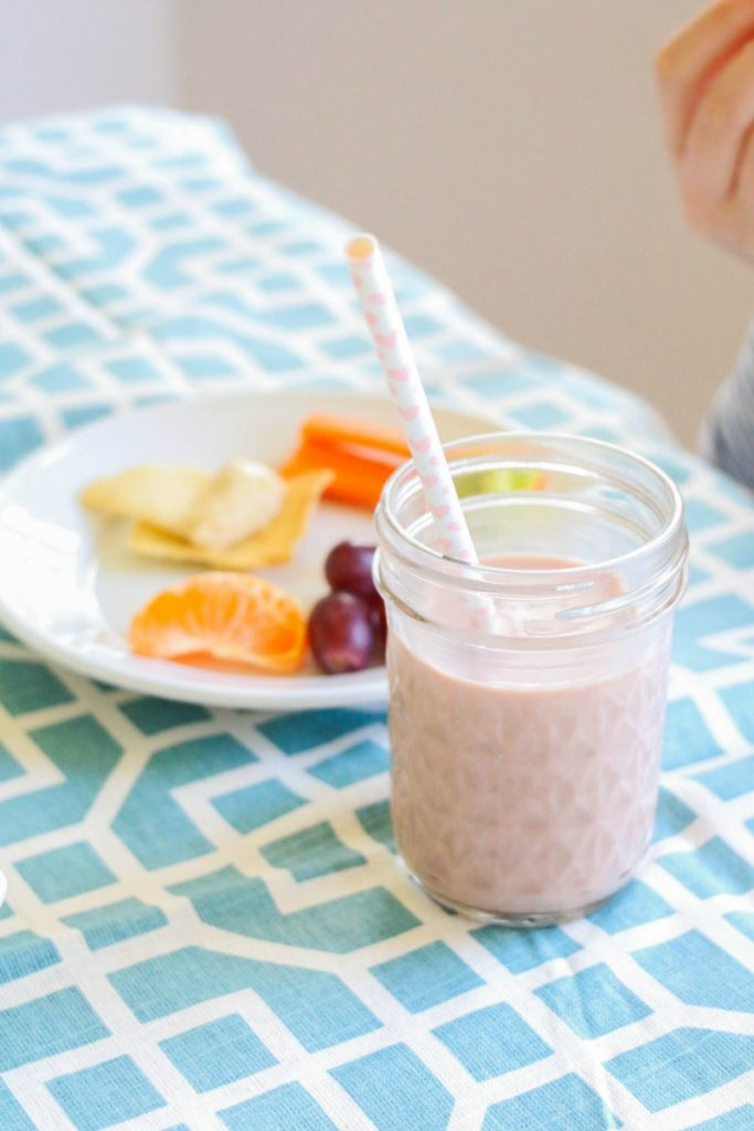 """Making sure your kids """"Start Right, End Right"""" everyday by having the fuel they need to keep them going from school to sports is important. Make sure you're giving them food that is good for them, isn't full of sugar and preservatives and tastes great, too! By setting the foundation for healthy eating habits now, you're laying the foundation for a lifetime of healthy habits!"""