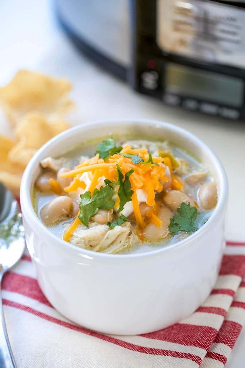 easy slow cooker white been chili recipe