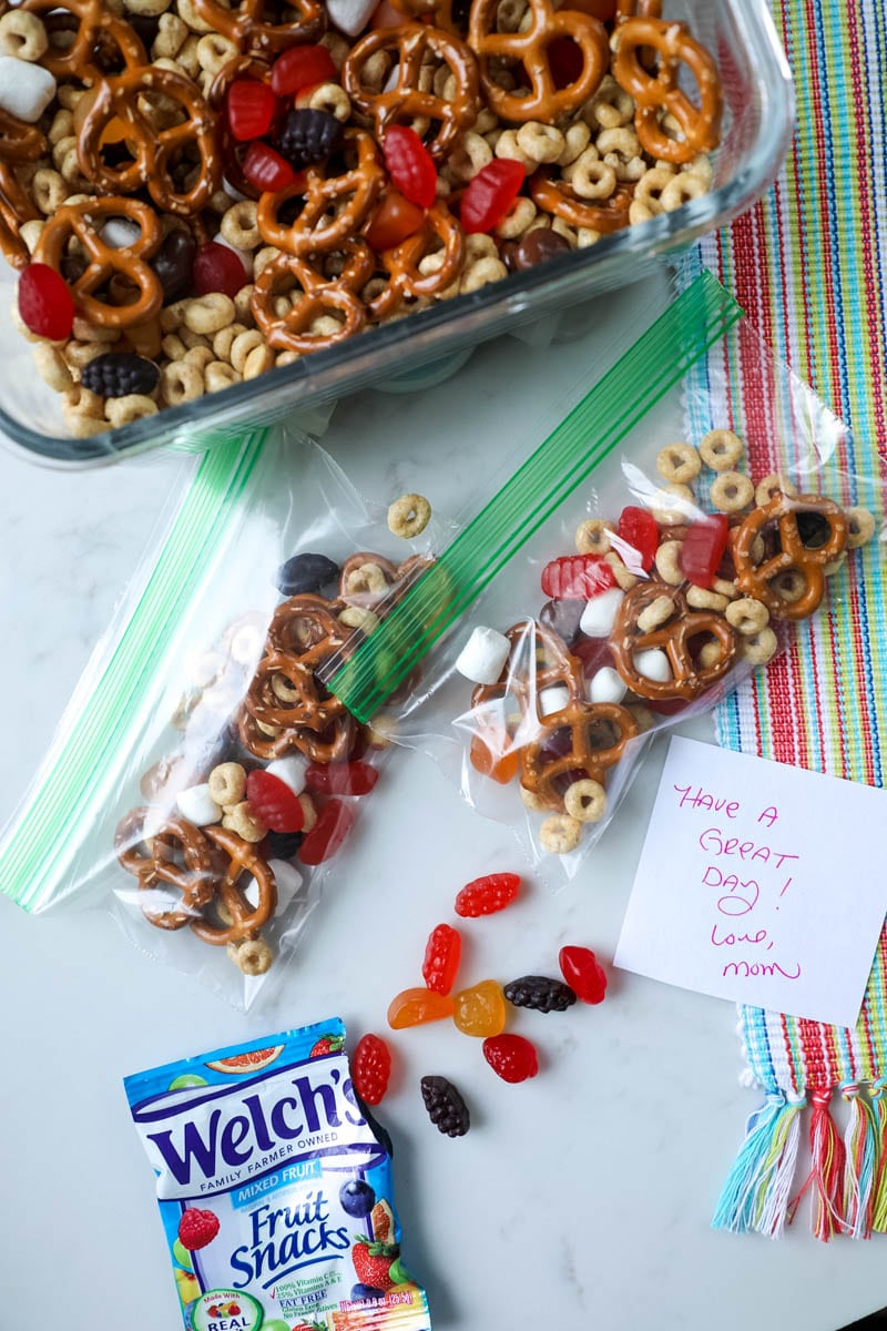 welch's fruit snacks with notes for kids
