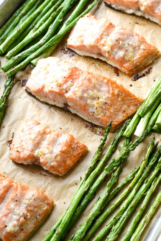 sheet pan baked salmon with asparagus