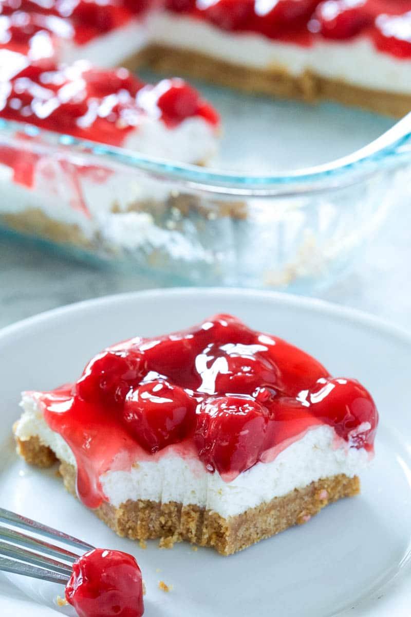 easy cherry cheesecake dessert