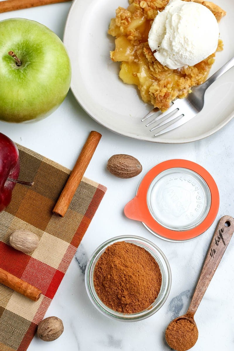 apple pie spice in a bowl
